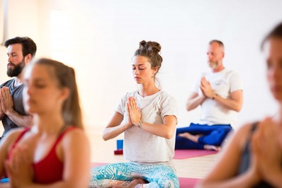 Bild zu Meditations- und Achtsamkeitskurs bei Yoga-Moment Kiel, Meditation Kiel, Achtsamkeit Kiel, Yoga Kiel